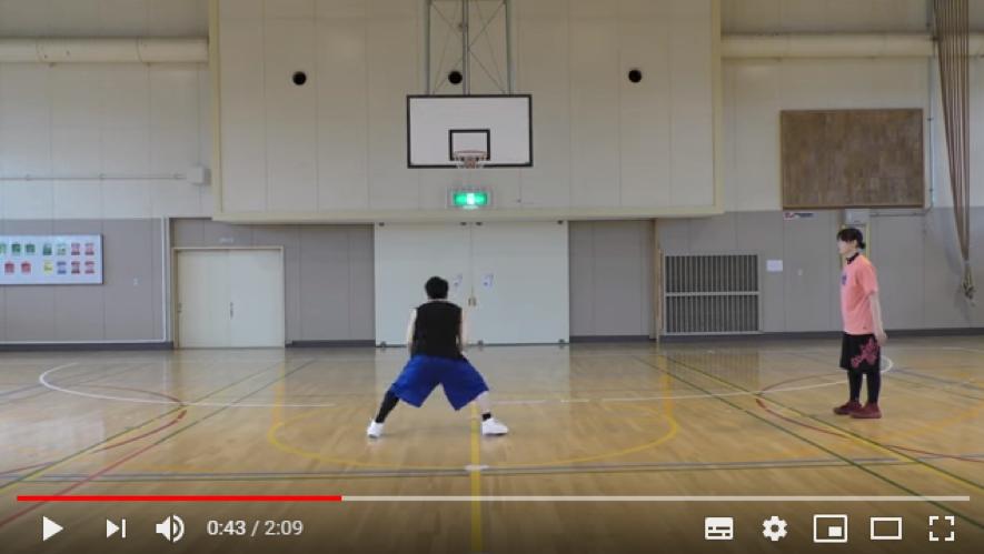 【2019年最新版】バスケのルールが知りたい!トラベリングについて解説