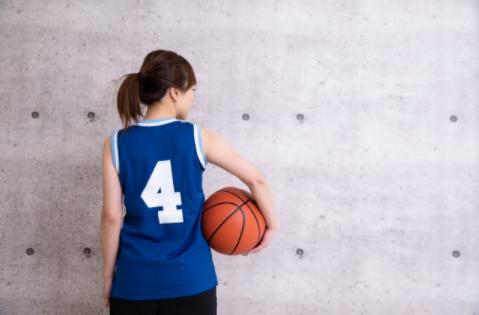 【完全保存版】バスケの基礎となるハンドリング練習メニュー&コツを徹底解説